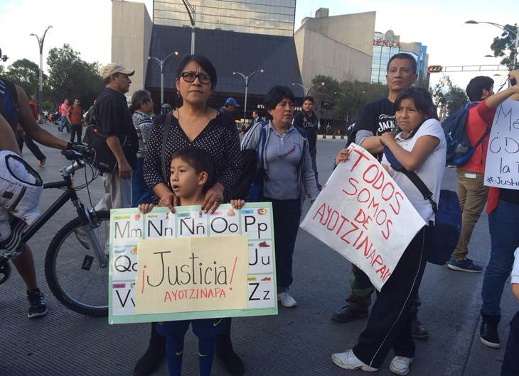Estudiantes de la Escuela Normal Rural de Ayotzinapa de la Escuela Normal Rural